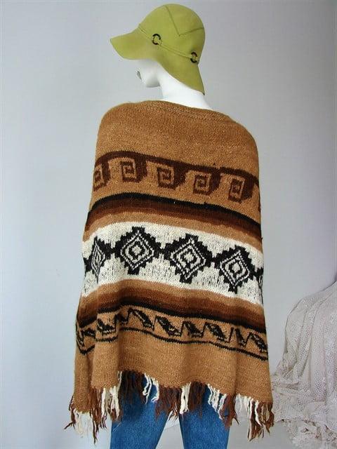 poncho gros moale franjuri imprimeu aztec maro vintage