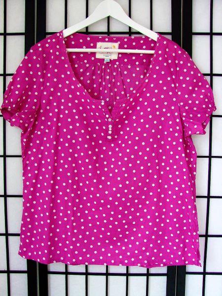 Bluza noua bumbac roz ciclam buline maneca scurta