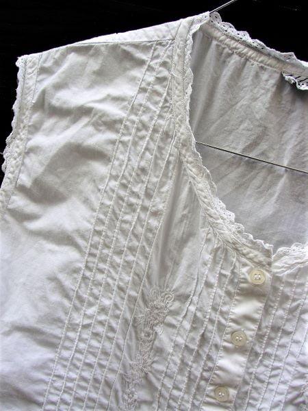 Top vintage alb panza bumbac dantela broderie