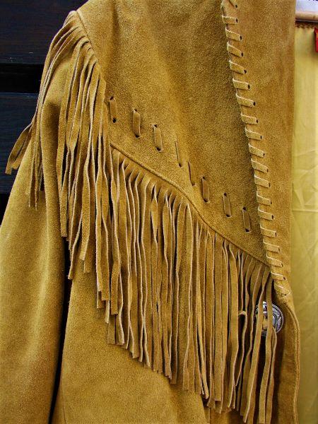 Geaca de piele intoarsa galben mustar franjuri stil cowboy vintage