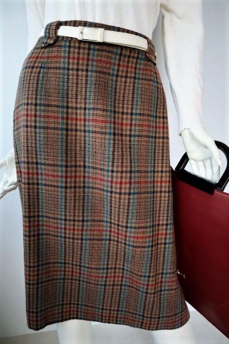 Fusta vintage groasa lana maro dreapta carouri